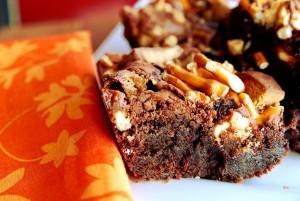 Candy Bar Streusel Brownies 1