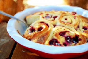 Raspberry swirl rolls 1_small