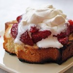 Grilled_pound_cake_sundaes