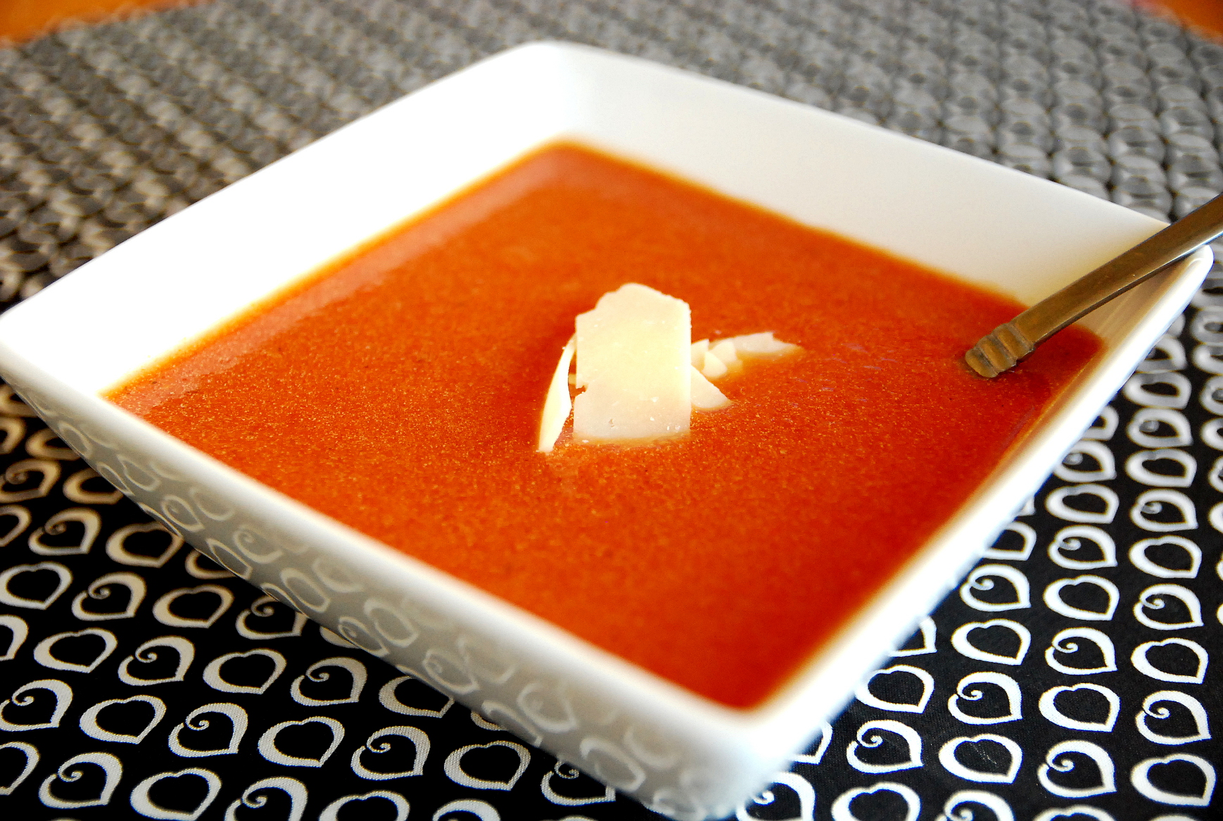 Nordstroms slow cooker tomato basil soup 1_small