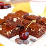 Dark chocolate cherry cashew brownies 1_small