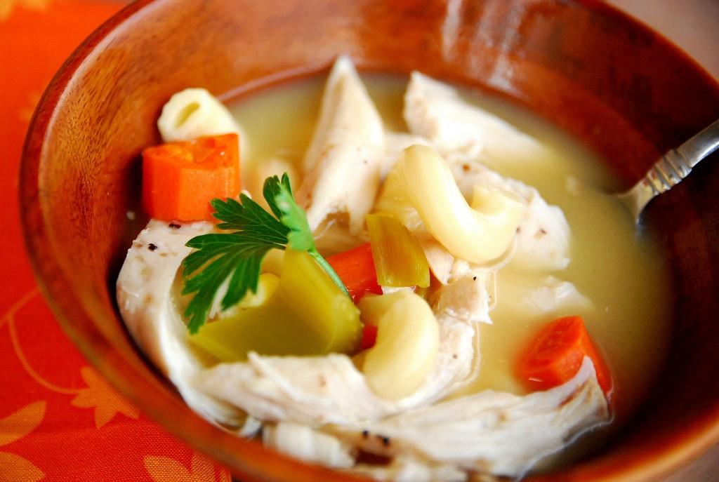 Easiest crock pot chicken noodle soup 1_small