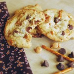 chocolate chip caramel pretzel cookies 1_small
