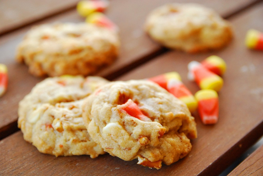 white chocolate candy corn pretzel cookies 1_small