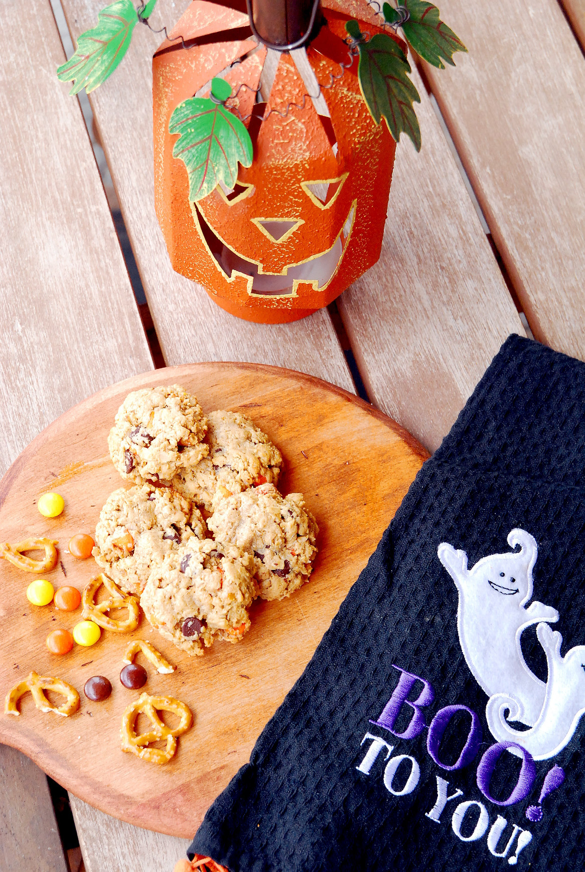 Halloween Monster Pretzel Cookies