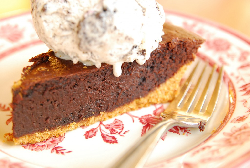 hot fudge pie 1_small