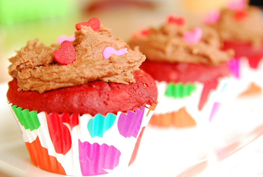 red velvet cupcakes with nutella buttercream 1_small
