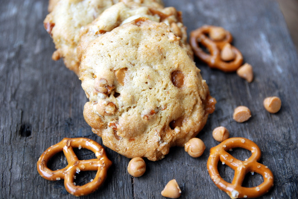 butterscotch caramel pretzel cookies 1_small